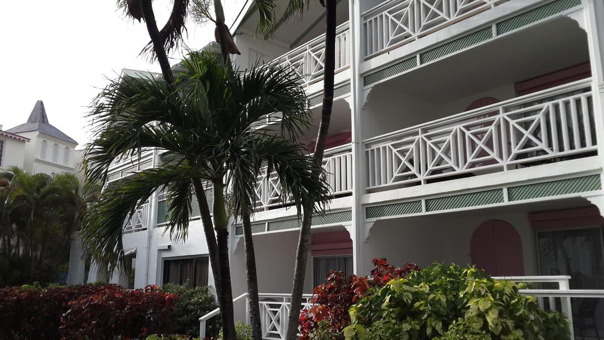 hurricane resistant hotel windows